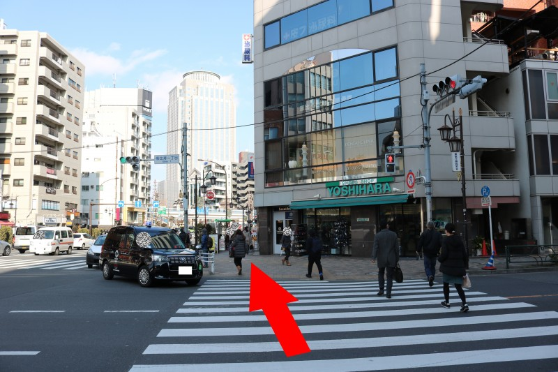 シーズラボ恵比寿本店行き方 恵比寿一丁目の信号を渡る