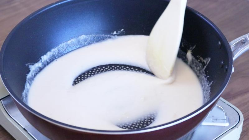 ホワイトソース作り(アーモンドミルク)