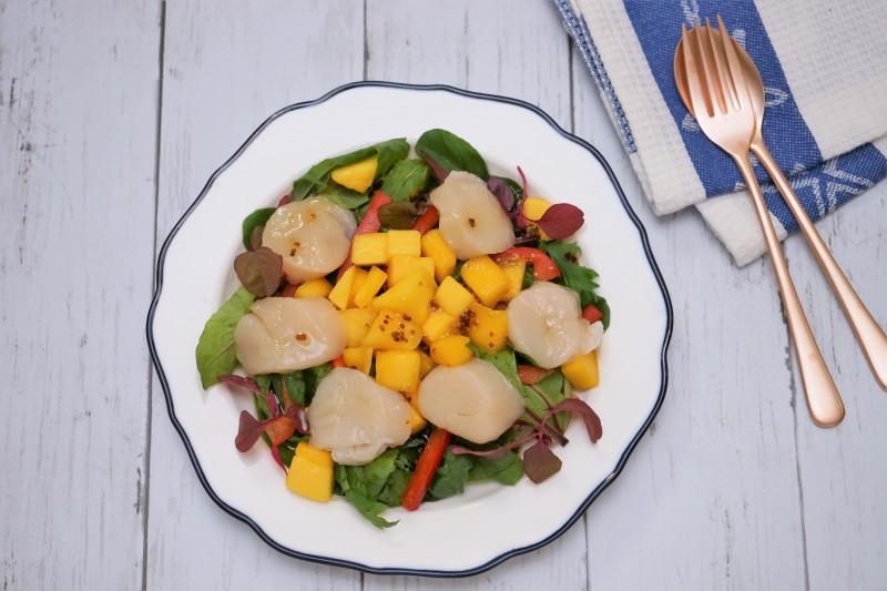 ホタテとマンゴーのサラダ 完成1